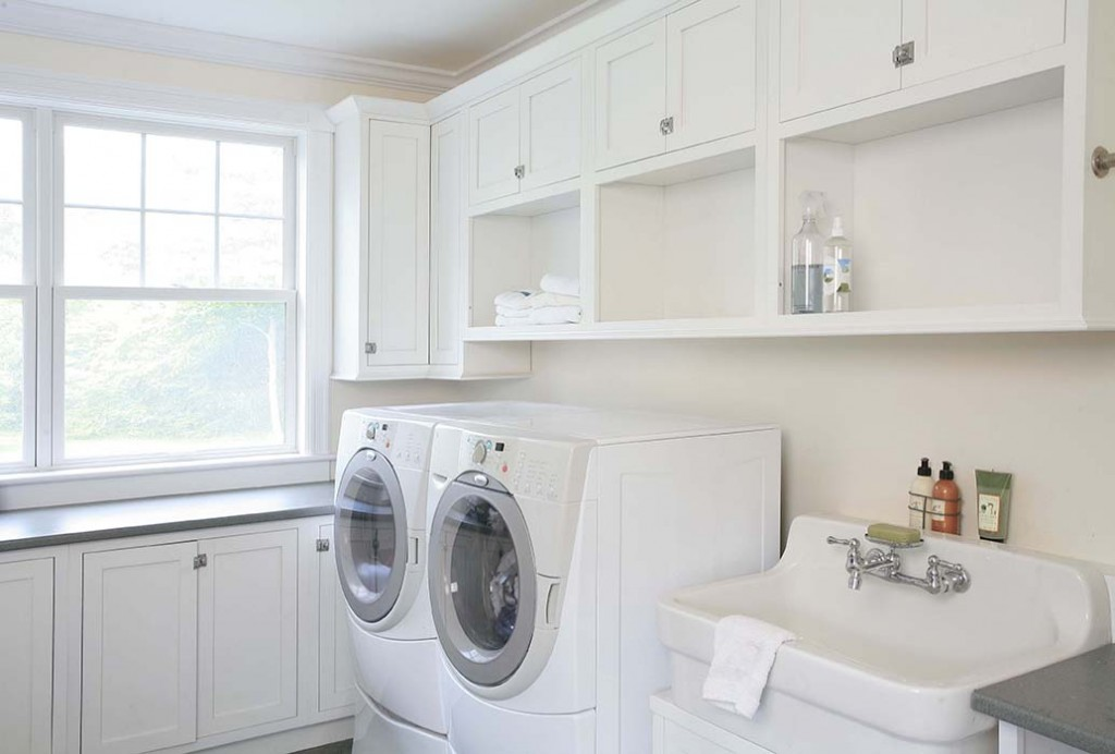 Maple Inset Laundry in Frosty White with Shakertown II Doors