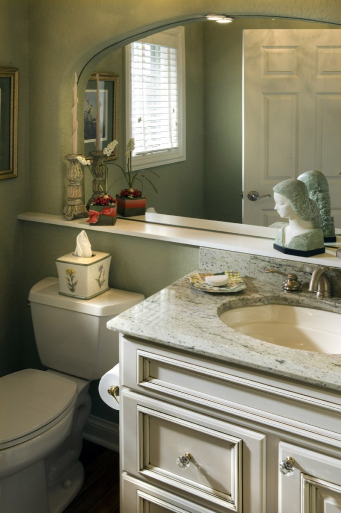 Maple Vanity in Antique White with Glaze, Covington Door and Drawers