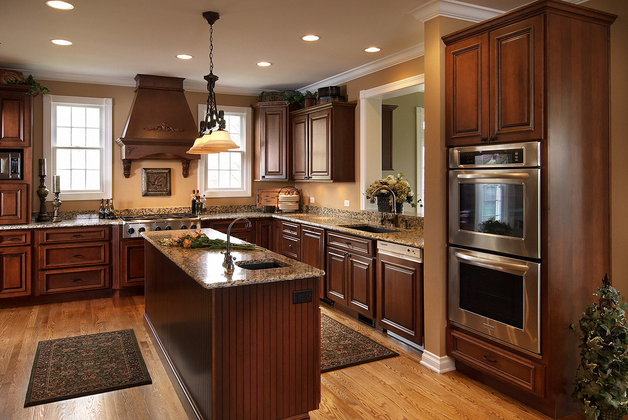 Kitchen cabinets stain glaze -  Maple With Brandy Stain And Glaze Verona Doors And Drawers Standard Overlay