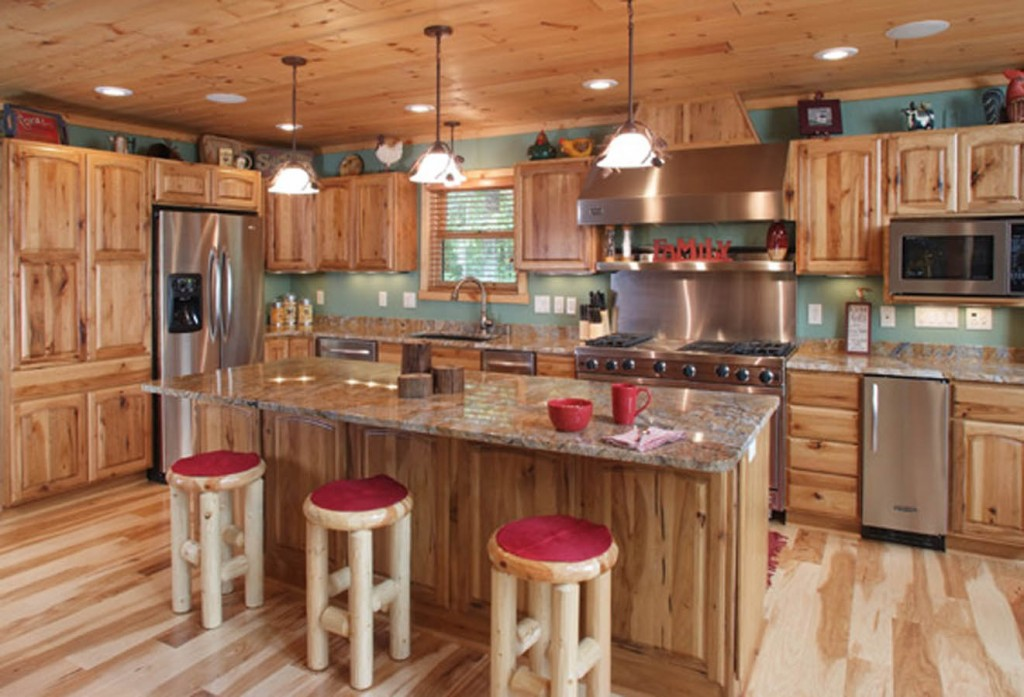 Rustic Hickory with Goldenrod Stain, Chelsea Doors and Slab Drawers